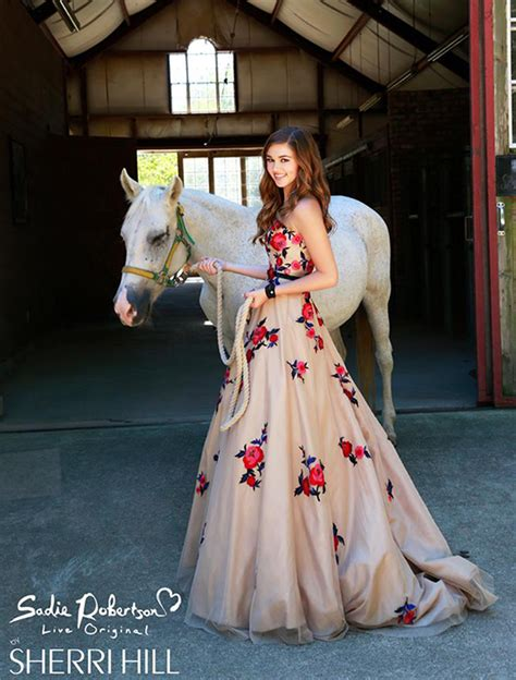 sadie robertson sherri hill duck win a prom dress from duck dynasty sadie robertson