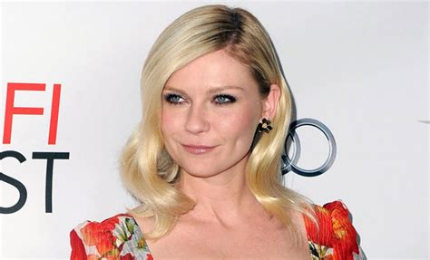 kristin casting couch i don t give off that vibe says kirsten dunst on whether