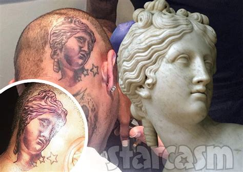 chris brown back tattoo photos chris brown s new of venus by antonio