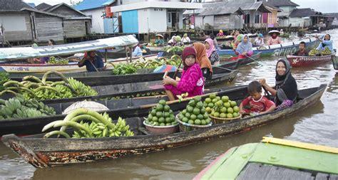 Bibit Kefir Di Pasar menjaga tradisi pasar apung ini nusantara kita