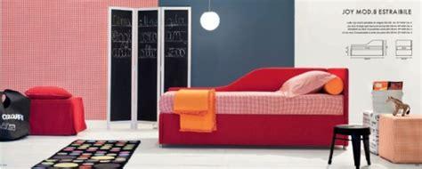 letto singolo a divanetto letti imbottiti camerette per ragazzi