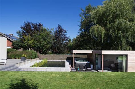 Pool House En by Veranclassic Modern Poolhouse In Iroko Met