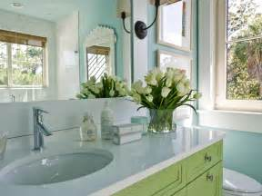 Hgtv Bathrooms Design Ideas by Small Bathroom Decorating Ideas Hgtv