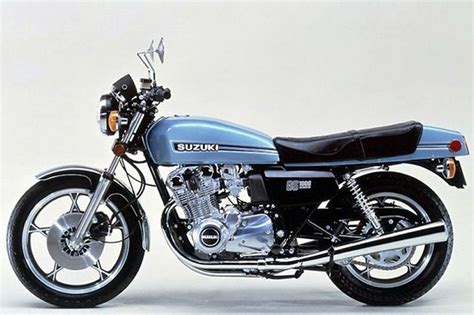 School Suzuki Suzuki Gs1000 Motorcycle Baby Blue Up On Two Wheels