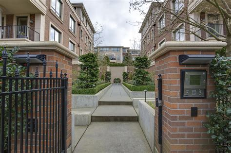 Luxury Condominium Residence In The Historic Belmont The Highland Luxury Condominium Homes