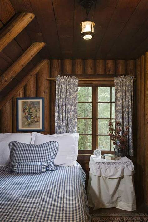 small cosy bedroom best 25 cozy small bedrooms ideas on pinterest cozy
