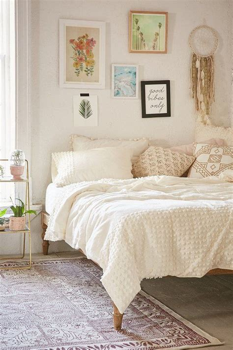Comforters Like Outfitters by Best 25 Outfitters Bedding Ideas On Boho Comforters Bedspreads And Boho Bedding