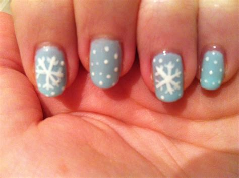 snowflake pattern nails nail art snowflakes