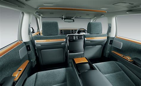 active cabin noise suppression 2007 toyota sienna interior lighting 2018 toyota century is japan s idea of a rolls royce at half price amazingreveal