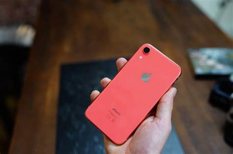test de l iphone xr faut il vraiment d 233 penser plus pour un iphone xs tech numerama