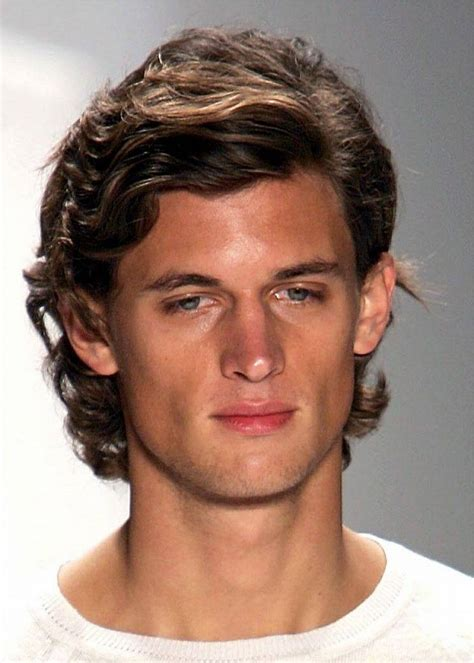 fem guy hairstyle medium wavy feminine hairstyles for men guys medium hair