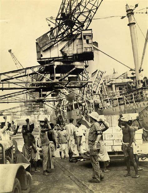 boat club kolkata file coolies carry rations at calcutta docks in 1945 jpg