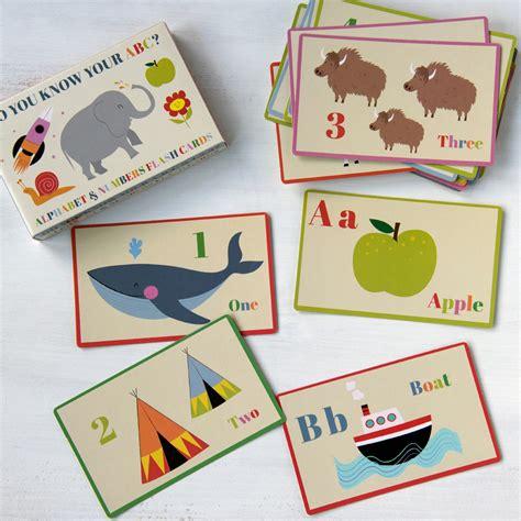 Fles Cardi set of 36 alphabet and number flash cards dotcomgiftshop