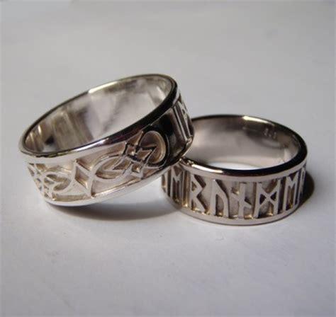 Eheringe Keltisch by Handgearbeitete Keltische Eheringe Aus Silber Mit Runen