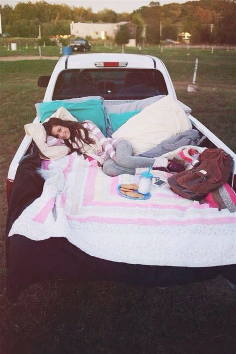 8 reasons a date in the back of a truck bed is the best