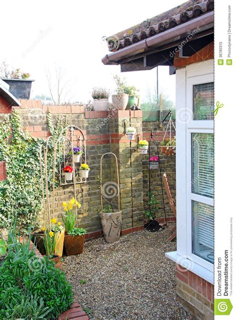 small cottage courtyard garden stock image image 38780315