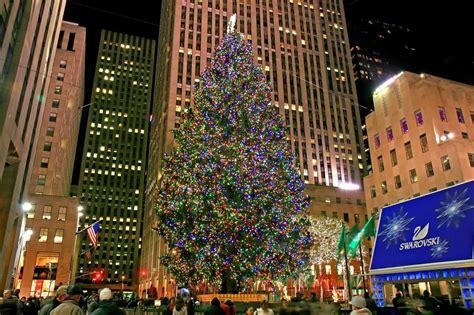 el arbol de navidad mas famoso chicas en new york