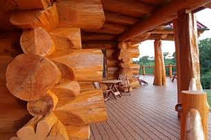 log home living march