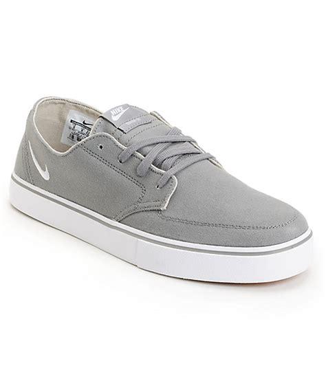 Sepatu Nike Braata Lr Canvas 6 0 nike 6 0 braata lr grey white skate shoe at zumiez pdp
