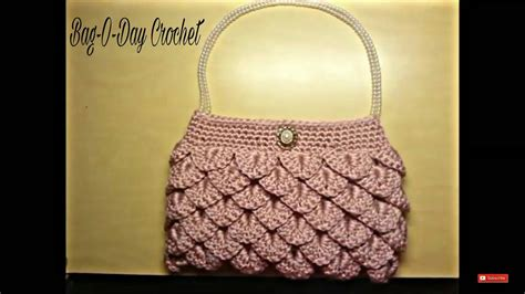 Make Jealous With A Handknit Knitting Bag Clutch Fashiontribes Fashion by Crochet How To Crochet Crocodile Stitch Clutch Purse
