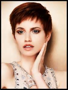 faced haircuts short hairstyles for round faces