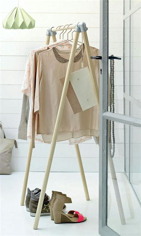 Clothing Rack Diy by Diy Wooden Clothing Rack Fashionista
