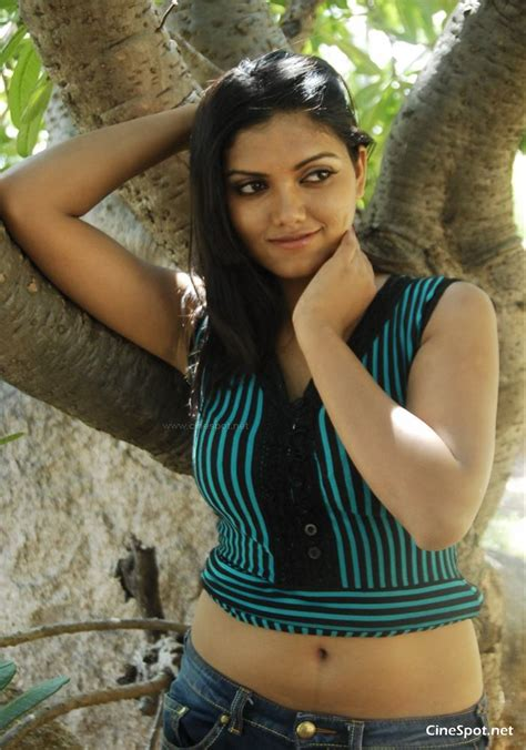 nayana new south actress photos pics 46