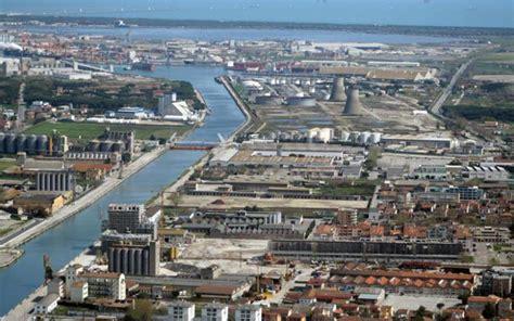 ravenna porto ravenna porto di ravenna skyscrapercity
