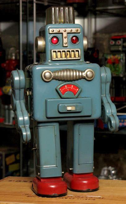 Tin Toys Classic Space Robot doc atomic japanese tintoy robot spaceman robot