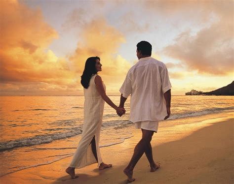 couple wallpaper large size beach love couple desktop wallpapers of high