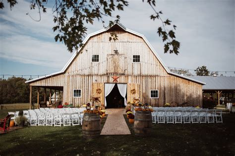 rustic wedding venues in new 3 20 farm and barn wedding venues for an event that s rustic perfection weddingwire
