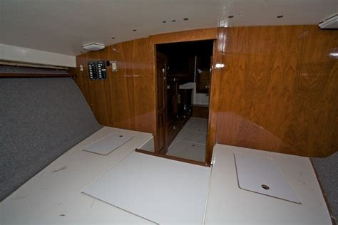 bertram 28 quot buddy quot refit the hull boating