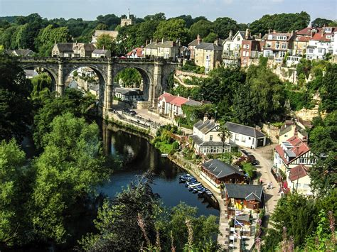 Stone Baths 14 merry olde towns that you must visit in england hand