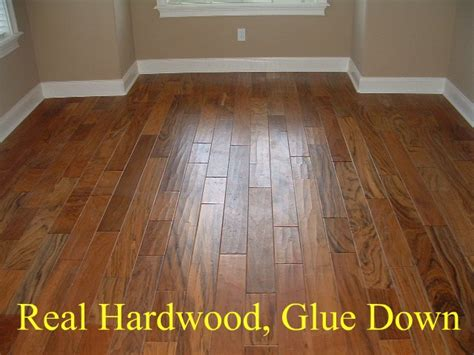 Hardwood Vs Laminate Flooring Laminate Flooring Versus Hardwood Flooring Your Needs Will Determine