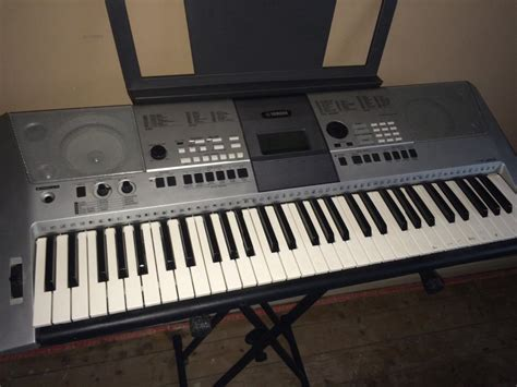 Keyboard Yamaha E413 yamaha psr e413 electronic keyboard brierley hill dudley