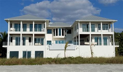 siesta key house rentals on beachfrontsiestakeyhouse2north 1024x600 beachfront