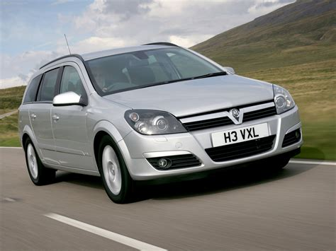 vauxhall astra estate photos photogallery with 7 pics