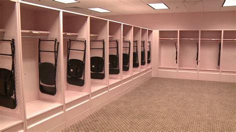 pink locker room univ of iowa professor calls for protest of pink locker room whotv
