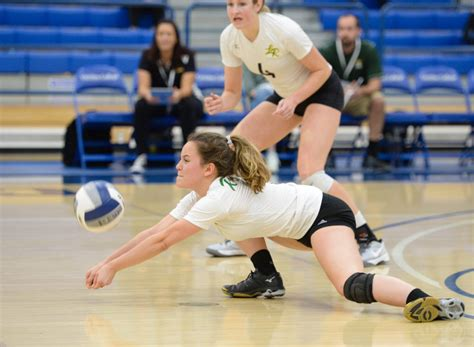 cif southern section volleyball 187 la reina girls volleyball falls to culver city in div