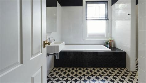 Black And White Tiles In Bathroom by Bathrooms With Black And White Patterned Floor Tiles