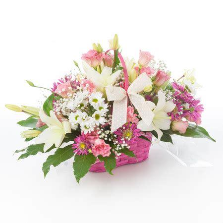 cesti di fiori cesto fiori colori delicati fiori a pisa consegna a