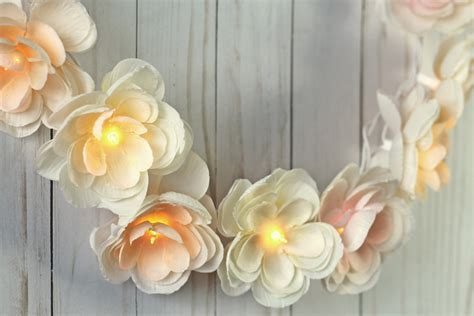 DIY Floral Garland With Lights   thecraftpatchblog.com