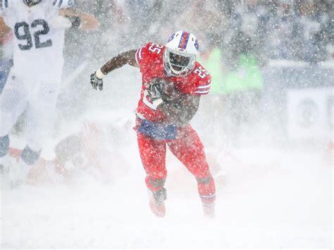 Snowy Gamis lesean mccoy scores td bills win snow bowl colts
