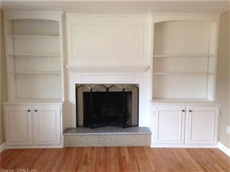 Built In Bookcases Next To Fireplace by Best 25 Fireplace Bookcase Ideas On Fireplace
