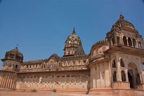 Ram Mahal ram raja temple madhya pradesh info timings photos history