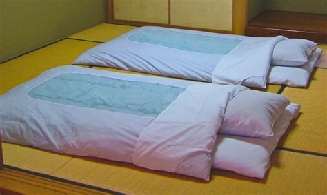 traditional japanese floor futon 29 best images about futons for my bedroom on pinterest