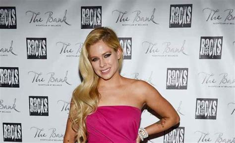 Avril Lavigne Slams by Avril Lavigne News Photos Ny Daily News