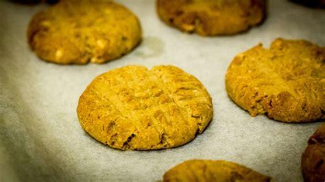 Peanut Butter Cokkies Ketofy low carb keto friendly gluten free peanut butter cookies