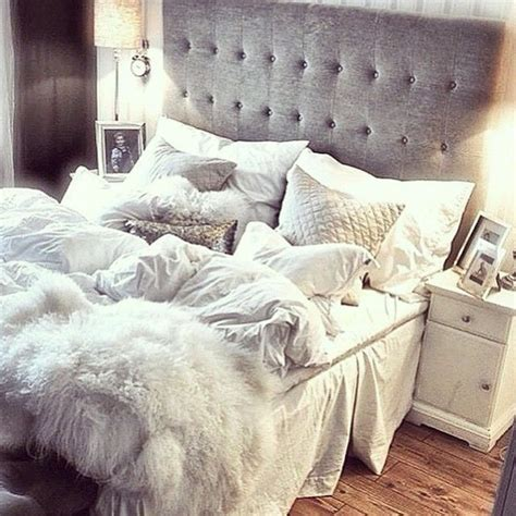 white tufted comforter 17 best ideas about white quilt bedding on pinterest