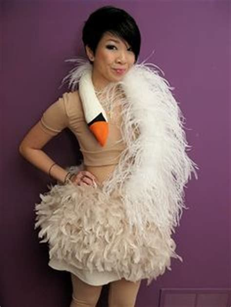 bjork swan dress diy 1000 images about bjork on singers dancer in the and icons